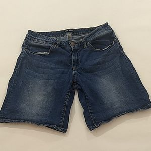 Max Jeans Size 10 Stretch Denim Shorts Med Blue